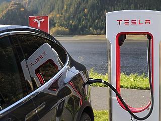 Beomlott a német tőzsdeindex, újabb piacra vetett szemet a Tesla
