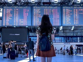 Az utazási irodák 85 százaléka csődtől fél, nagyot ugrott az OTP