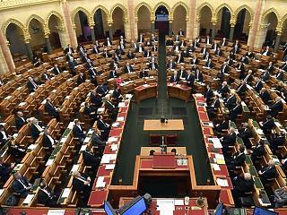 Megszavazta a parlament a jövő évi költségvetést