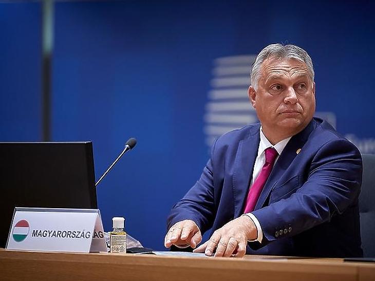 Orbán Viktor: Magyarország a lengyelek mellett áll