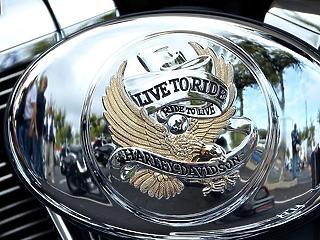 Bravúr a Harley-Davidsonnál, pandémia után twindémia