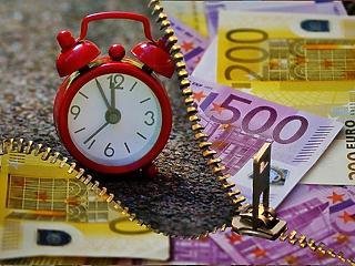A vártnál is kevesebb az állás Amerikában, három forinttal drágult az euró