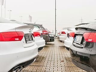Rengeteg pénzt adnának a németeknek, hogy vegyenek új autót