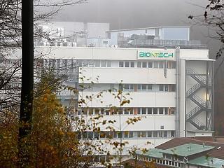 Egy hónap múlva oltják a németeket, benyújtotta engedélykérelmét a BionTech-Pfizer