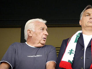 Híznak az Orbán-család bankszámlái: a kormányfő apja 140 millió forintot vitt haza