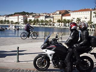 Horvátország: hétfőtől kötelező a zárt téri maszkviselés