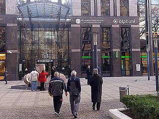 Mennyire alulteljesítő a magyar részvénypiac? Mit mond a BUX index és az NQHU?