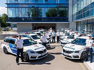 Új autókat kaptak a rendőrök
