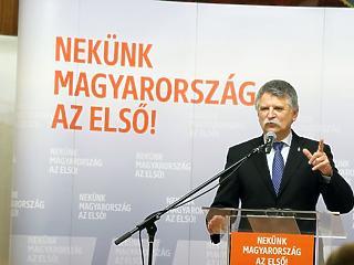 A Rogánt reptető cég vitte Rómába az egyik vezető Fidesz-politikust
