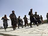 Titkos megállapodást kötött az amerikai hadsereg a tálibokkal, hogy rendben lemehessen az evakuáció