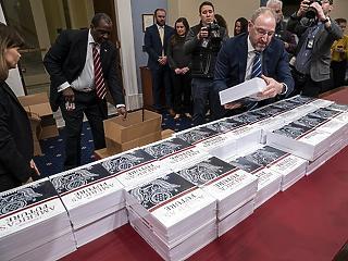 Nagyot faragna az USA kiadásain Trump