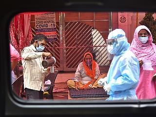 """""""Ez a válság is el fog múlni"""" – helyszíni interjú az indiai Covid-krízisről"""