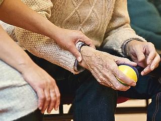 Nyugdíjasokat támadnak a pofátlan csalók – ugye ennek senki sem dől be?