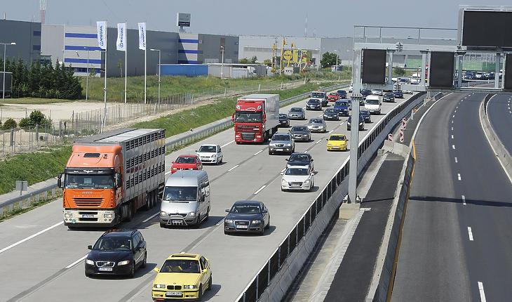 Egy ideig nem lesz ilyen tömeg az autópályákon (MTI fotó - Földi Imre)
