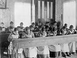 Gyermekek a sírokban: Kanadát utolérte szégyenletes történelme