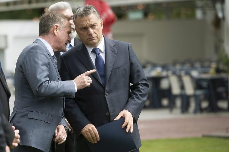 Wáberer György és Orbán Viktor egy 2015-ös avatóünnepségen. MTI Fotó: Koszticsák Szilárd