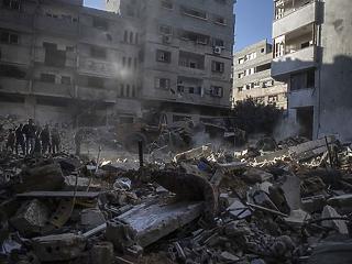 Izrael egy médiaközpontot is lebombázott - tovább folynak a támadások Gázában