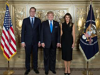 Fél perc: a szerb elnök személyesen is meghívta Belgrádba Donald Trumpot