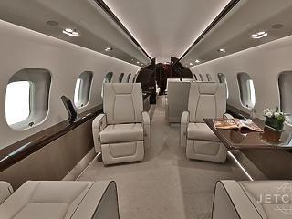 Megint külföldön kalandozott az Orbánt szállító luxusgép