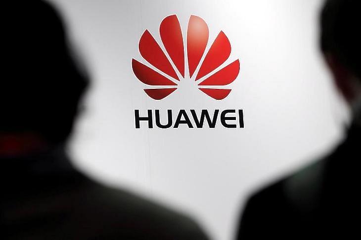 Titkos hátsó kaput épített, hozzáfér a személyes adatainkhoz a Huawei