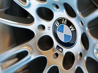 Májusban újraindítja a termelést a BMW