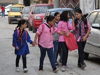 Szerbiában járhatnak iskolába a menekültgyerekek