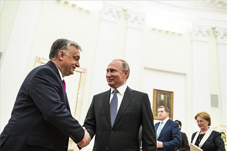Vlagyimir Putyin fogadja Orbán Viktort a moszkvai Kremlben 2018. szeptember 18-án. (MTI / Koszticsák Szilárd)
