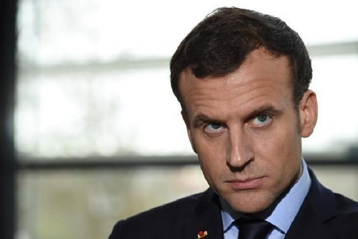 Emmanuel Macron komolyan veszi az ügyet. (Forrás: EPA)