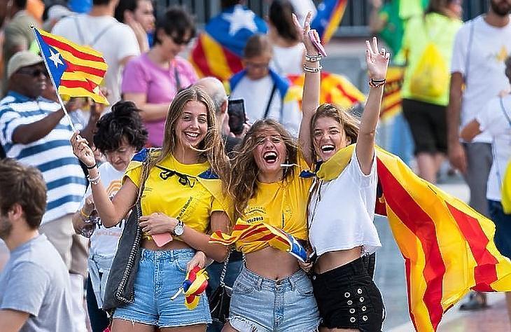 Függetlenségpárti elnököt választottak Katalóniában – újabb népszavazás jöhet