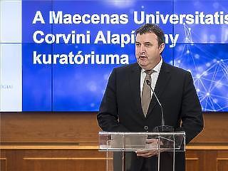 Palkovics Lászlótól várják, hogy megkösse a 3 milliárd forintos csomagot Vidnyánszky Attilával