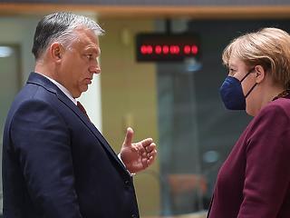 """""""Utópikus fantáziák"""" – megint tengelyt akasztott Orbán Viktor Brüsszelben"""