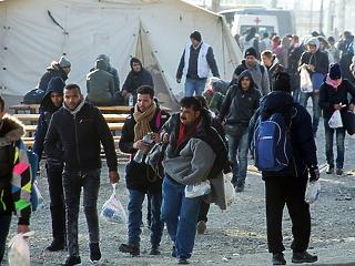 Pénzt ad az EU a menekültekre – itt van, mennyit