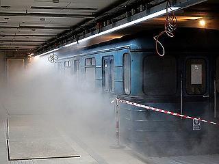 Órákon át füstölhet a metró