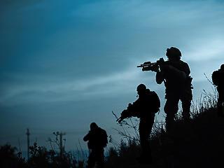 Rendkívüli tanácskozást tart a NATO az afganisztáni helyzet miatt