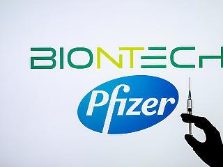 Brutálisan sok Pfizer-vakcinát vesz az EU