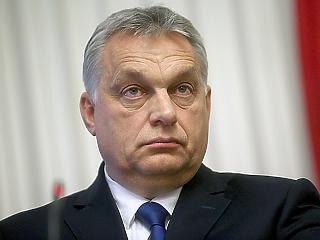 Orbánt egészen meghökkentő kérdésekkel bombázzák