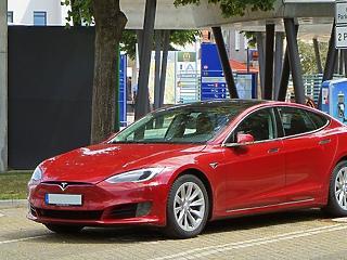 Legyártották az első kínai Tesla Y-t, előre örülnek Bidennek