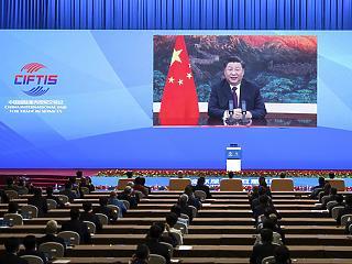 Kína: brutális elnöki hatalomkoncentráció és beinduló politikai tisztogatás