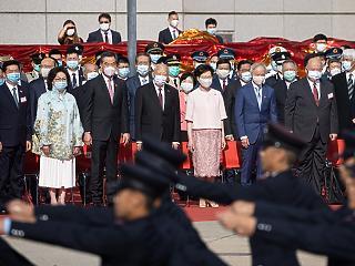 A világ legnagyobb biznisze – Londontól Tokióig azonnal lecsaptak a kiváló hongkongi szakemberekre