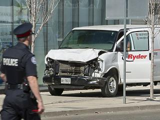 Gázolásos támadás Torontóban: 10 halott, tucatnyi sérült