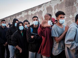 Forrongó arab világ – miért menekülnek a fiatalok?