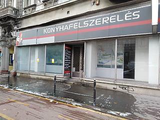 Kész, vége! Tömeges elbocsátás jöhet a magyar ruha és cipő hálózatoknál