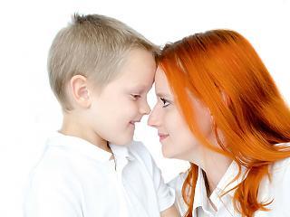 Hogyan dicsérjük a gyermeket, hogy tényleg legyen értelme?