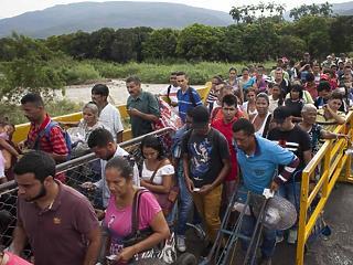 Mindenki menekül a pokollá vált országból ahová tud, például Magyarországra