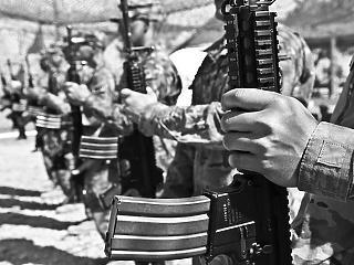 Megint háborúba küldenék Amerikát, de a katonák nem felejtenek