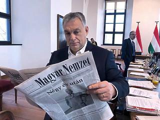 A nap képe: Orbán Viktor megmutatta, hogy melyik a kedvenc lapja