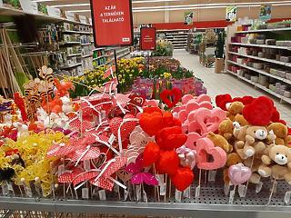 Megint csúcsra kúsztak az élelmiszerárak - drágább lett a Valentin-napi romantika is