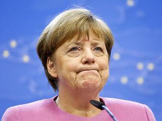 Tényleg ennyire tapló volt Trump? Cukorkát dobott Merkelnek