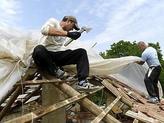 Egymilliárd forintnyi kárt fújtak össze a múlt heti viharok