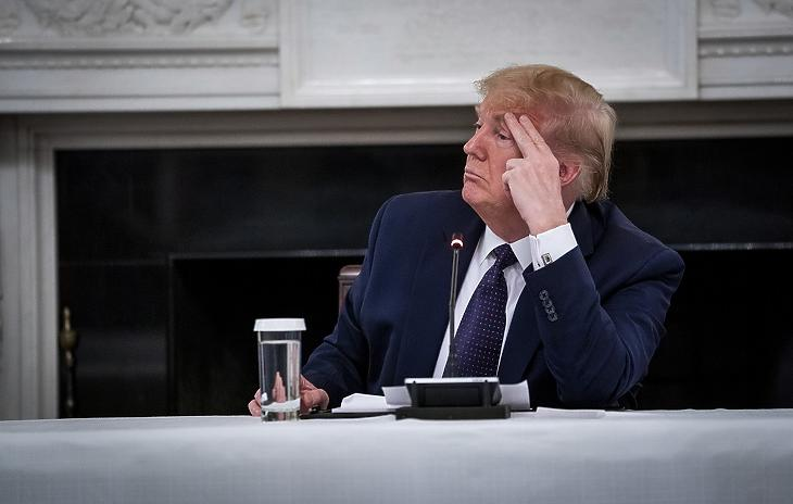 Donald Trump amerikai elnök a washingtoni Fehér Házban 2020. májusában. MTI/EPA/The New York Times/Pool/Doug Mills